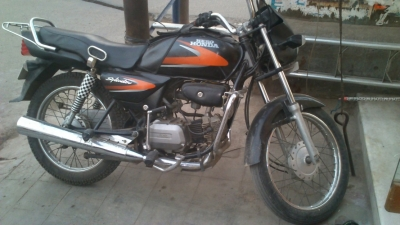 Hero Honda SPLENDOR NM Specfications And Features