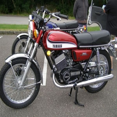 Yamaha RD350 Specfications And Features